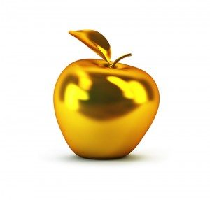 golden-apple-300×286